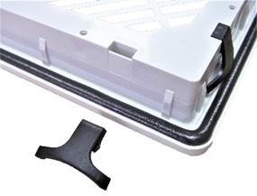 Защелки для быстрой установки фильтрующих вентиляторов (в разборе).